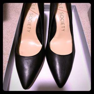 Sole society block heel pump